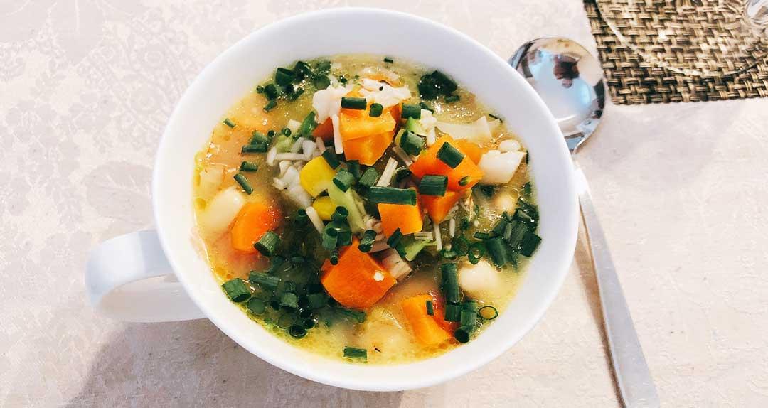 腸活&温活 MCTオイルを使った、日替わりスープのレシピを紹介